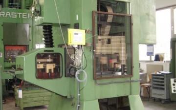 Investition in einen RASTER-Hochleistungsstanzautomaten (Komplettanlage)